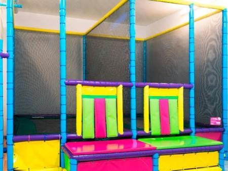 Locales para fiestas infantiles y cumplea os en barcelona for Locales para cumpleanos en sevilla